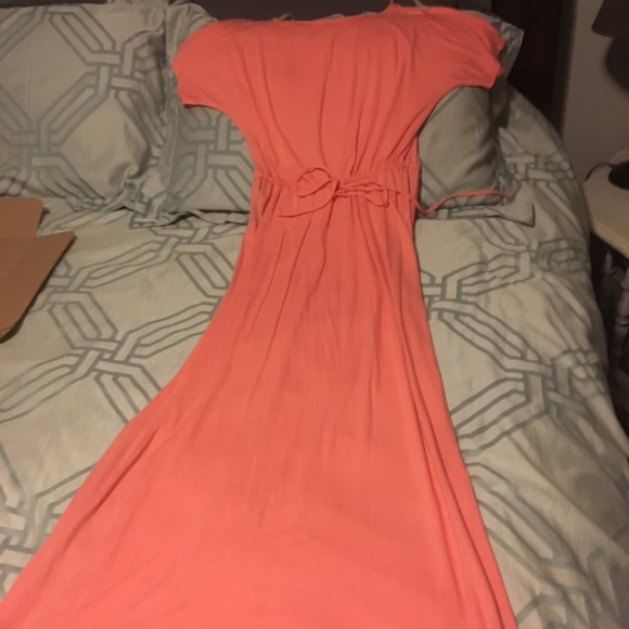 Francesca's Collections Dresses & Skirts - Peach maxi size M NWOT short sleeve.